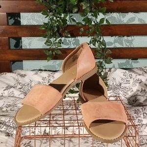 Shoes - Peachy Flats